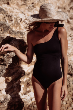 Theodora One Piece Black